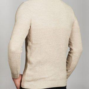 Vyriškas smėlinės spalvos megztinis apvaliu kaklu