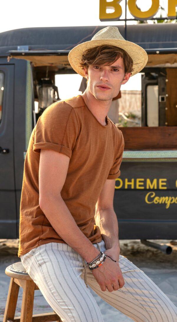 Vyriški rudi marškinėliai trend